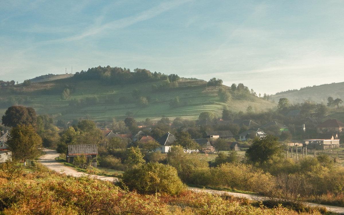Раскинулось село в долине