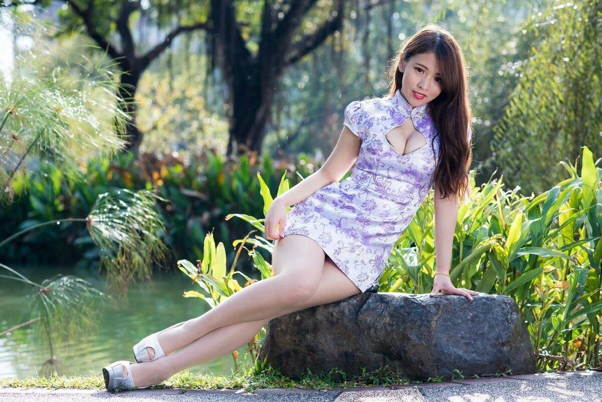 фото очень красивых азиаток в платьях каждого родителя