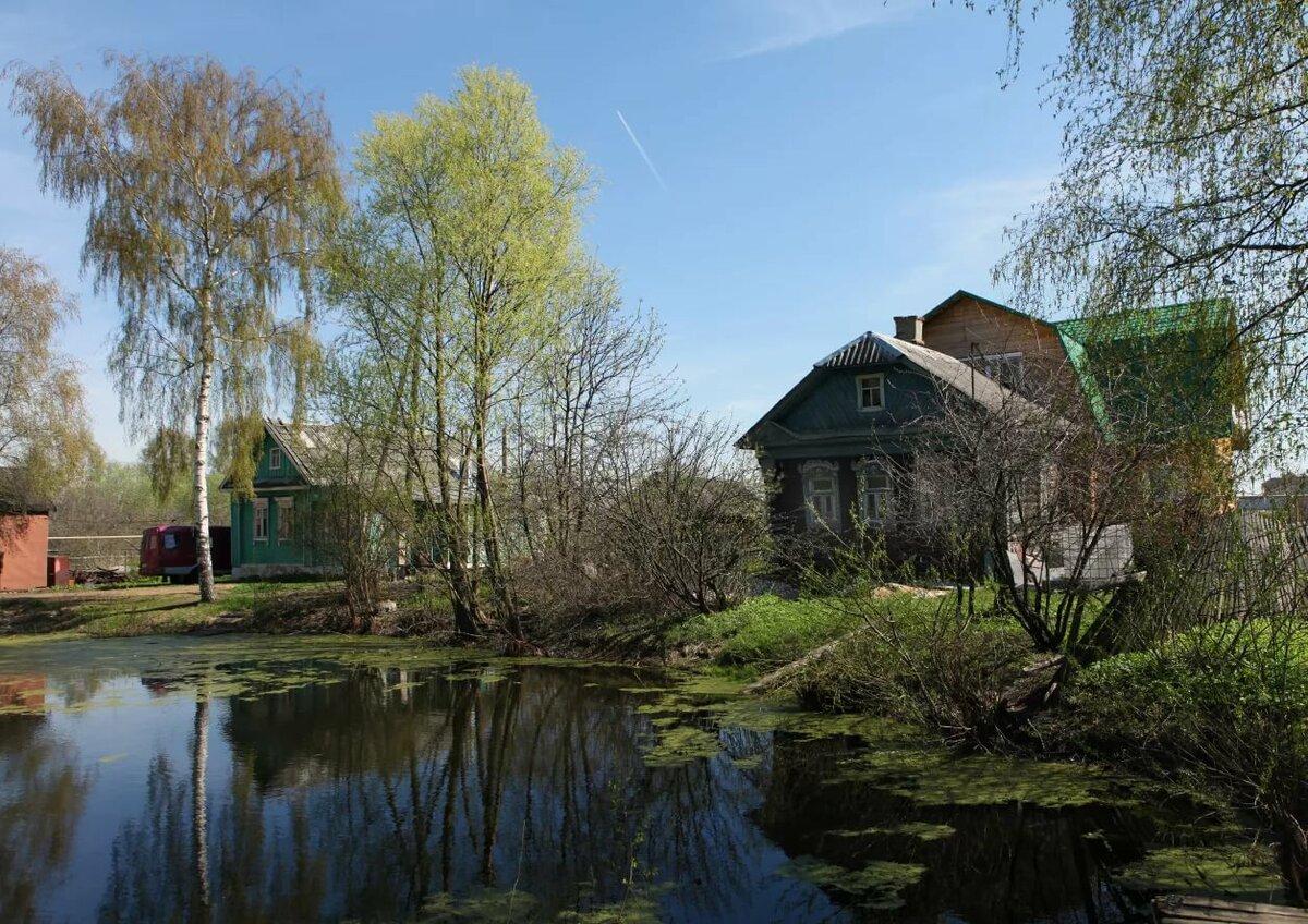 облицованные кирпичом, картинка отчий дом выдают гора