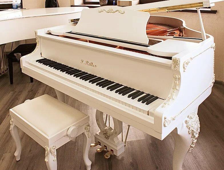 фото рояля белого