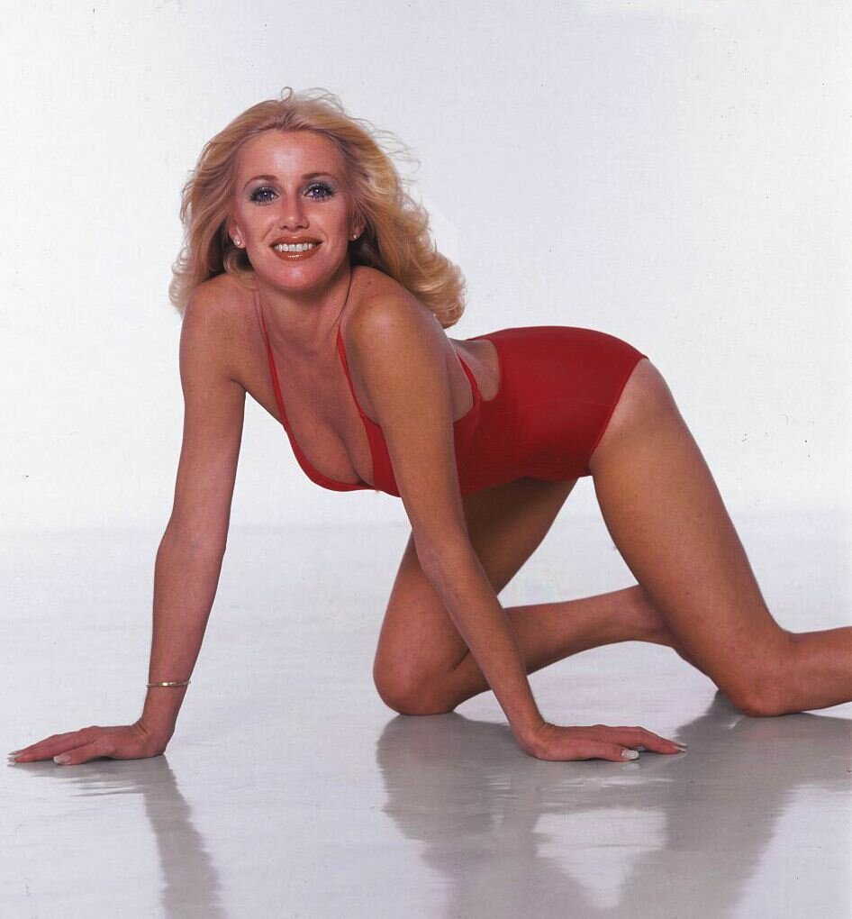 suzanne-somers-swimsuit-pics