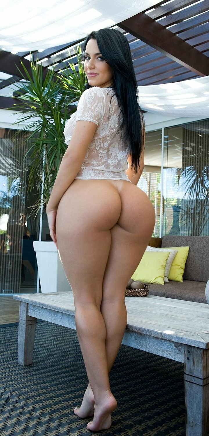 Miss lexi loup beautiful naked and hot butt