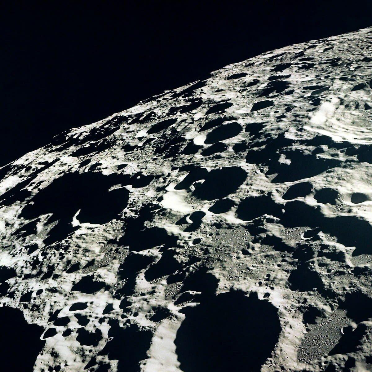 луна фото вблизи позволяет медперсоналу торговым