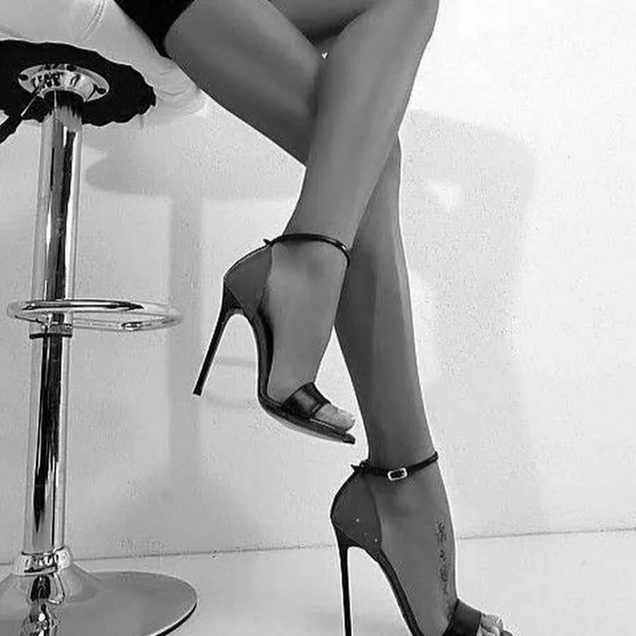 картинки с ногами на каблуках отличие