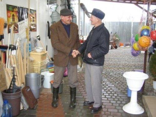 Словаки часто приезжают в украинское село на шопинг - цены здесь куда ниже европейских