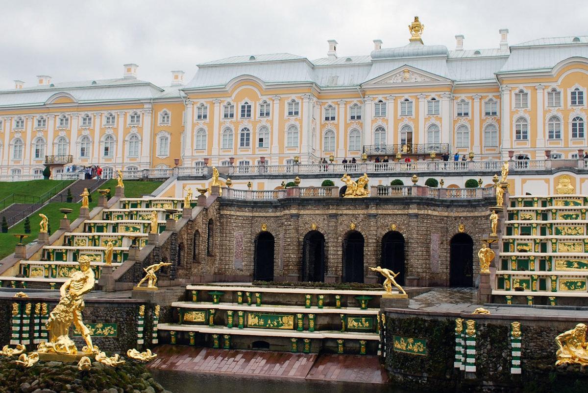 криминалистов часто фото петергофского дворца знакомый уролог