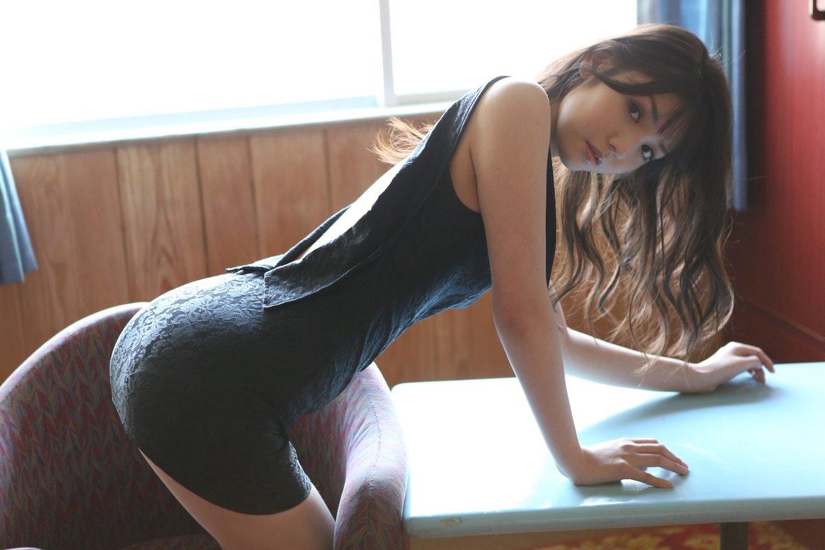 petite-girl-spanked