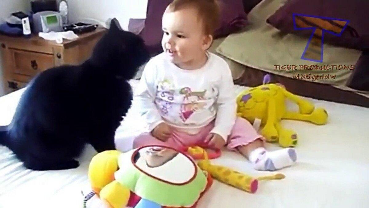 Украиночка, прикольные гифки с ребенком