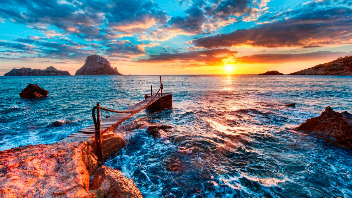 Картинка с морским пейзажем на столе монитора 4 буквы