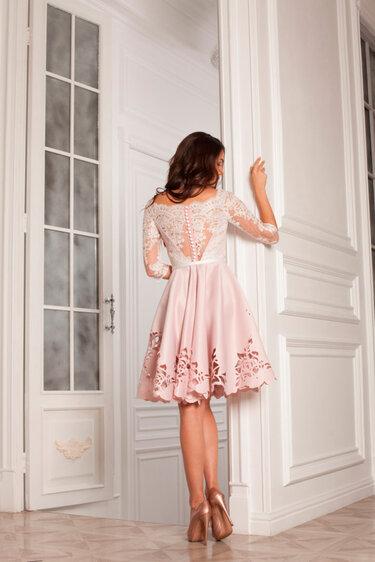 Дизайнерские вечерние платья в Москве  купить пошить салон Red in ... 52185807caf