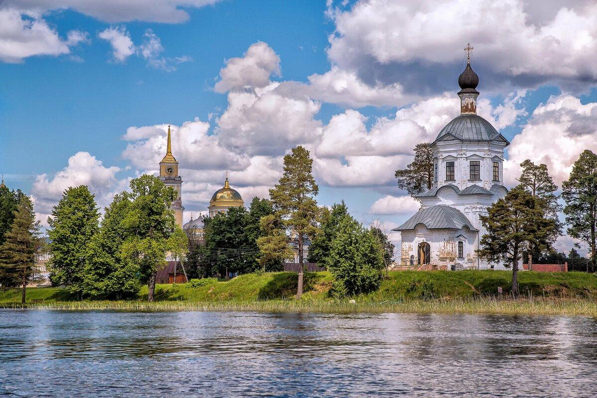 Картинка храм на фоне природы