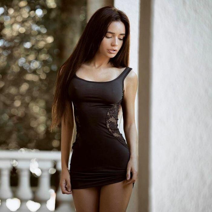 Телки в коротких платьях фото