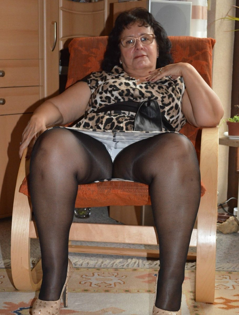 Granny licking pantyhose, norsk sex wmv