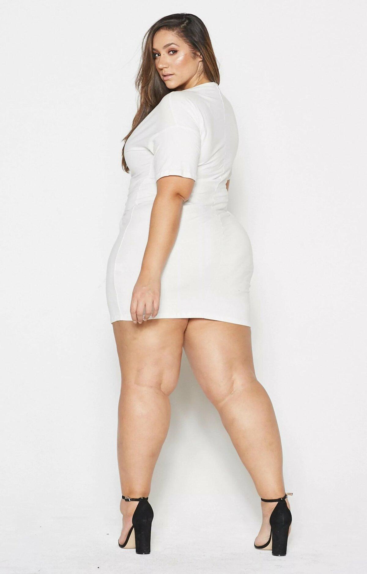 Chubby girls leg photos