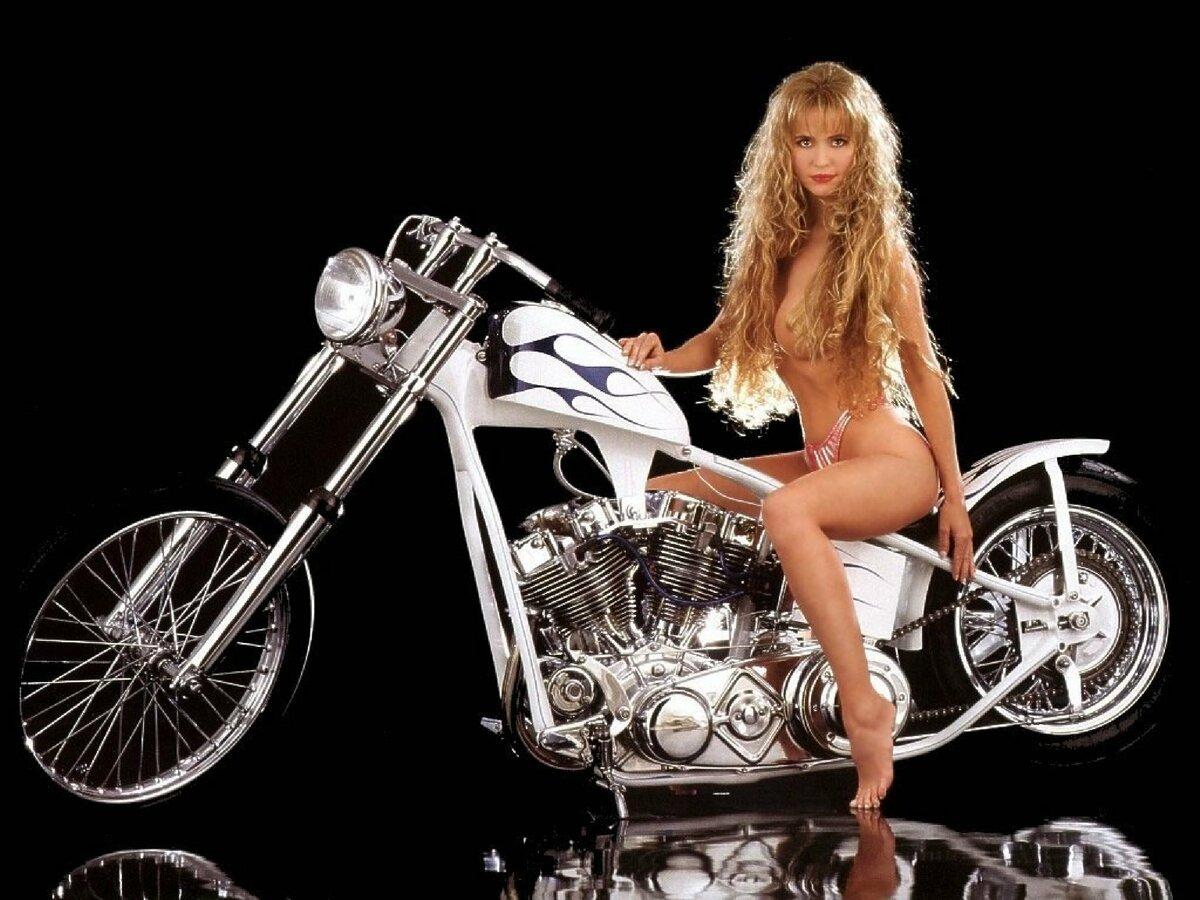 эро фото девушка на мотоцикле - 2