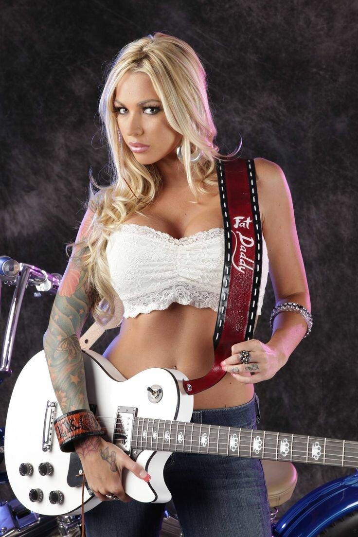 Hot guitar girl, desi lydic porn pics