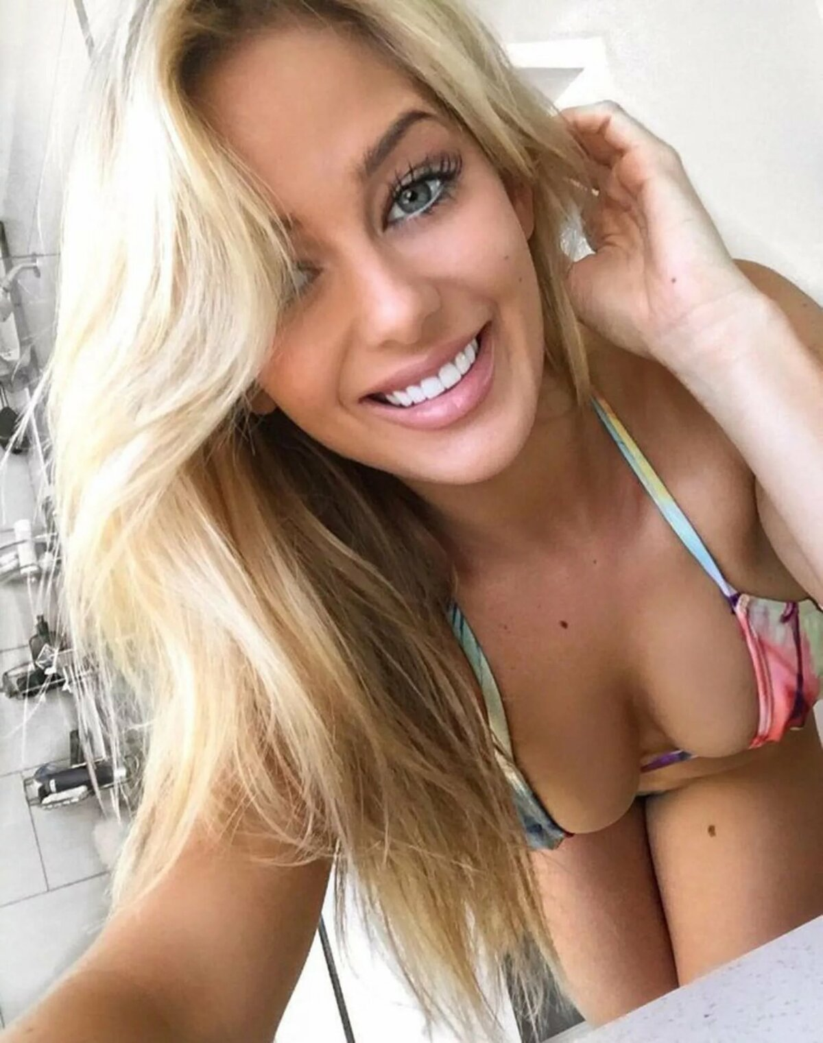 nude-blondes-petite