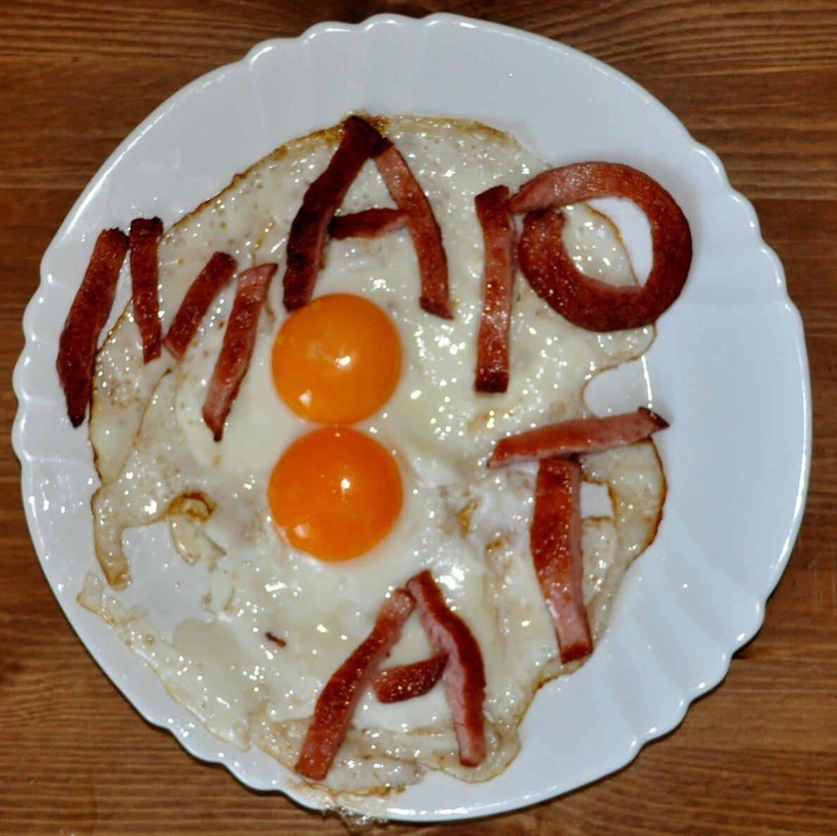 Открытки, прикольную картинку с 8 марта из еды