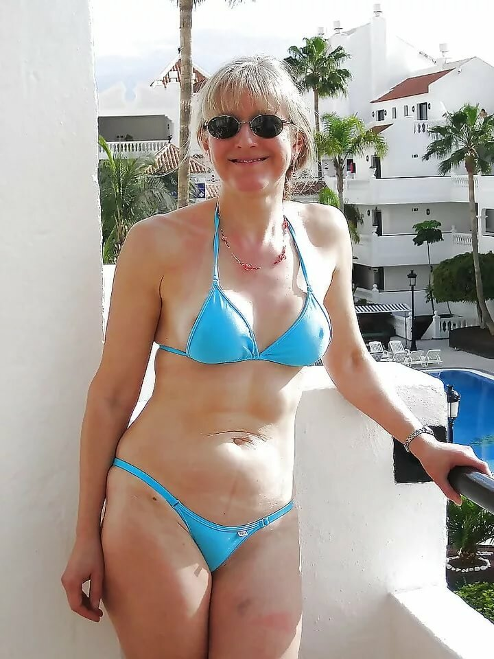 Ordinary moms in swim suits, gallery twink blonde muscle