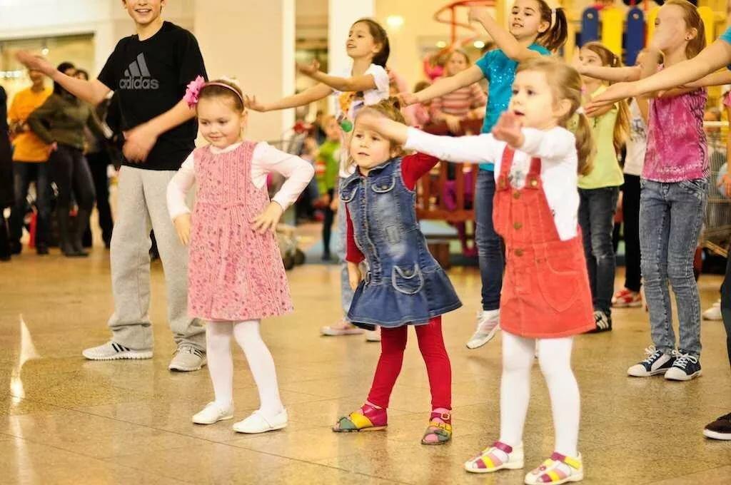 Картинки танцы в детском саду