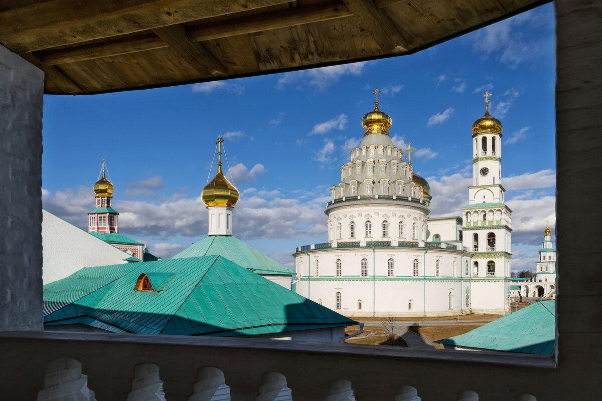 Вид с монастырской стены