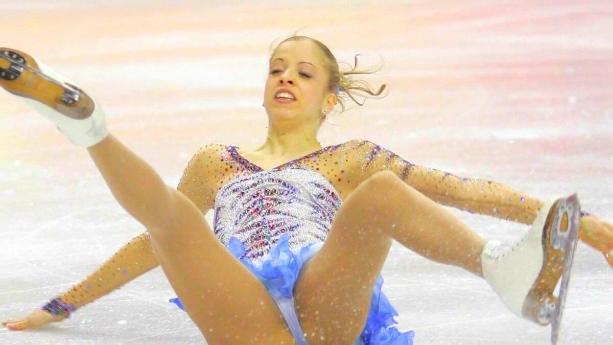 kazusi-pod-yubkoy-u-sportsmenov