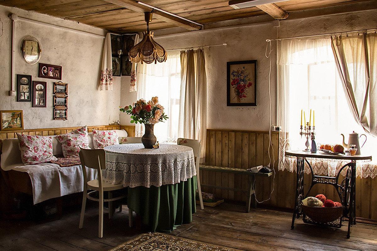 Картинка деревенского дома изнутри