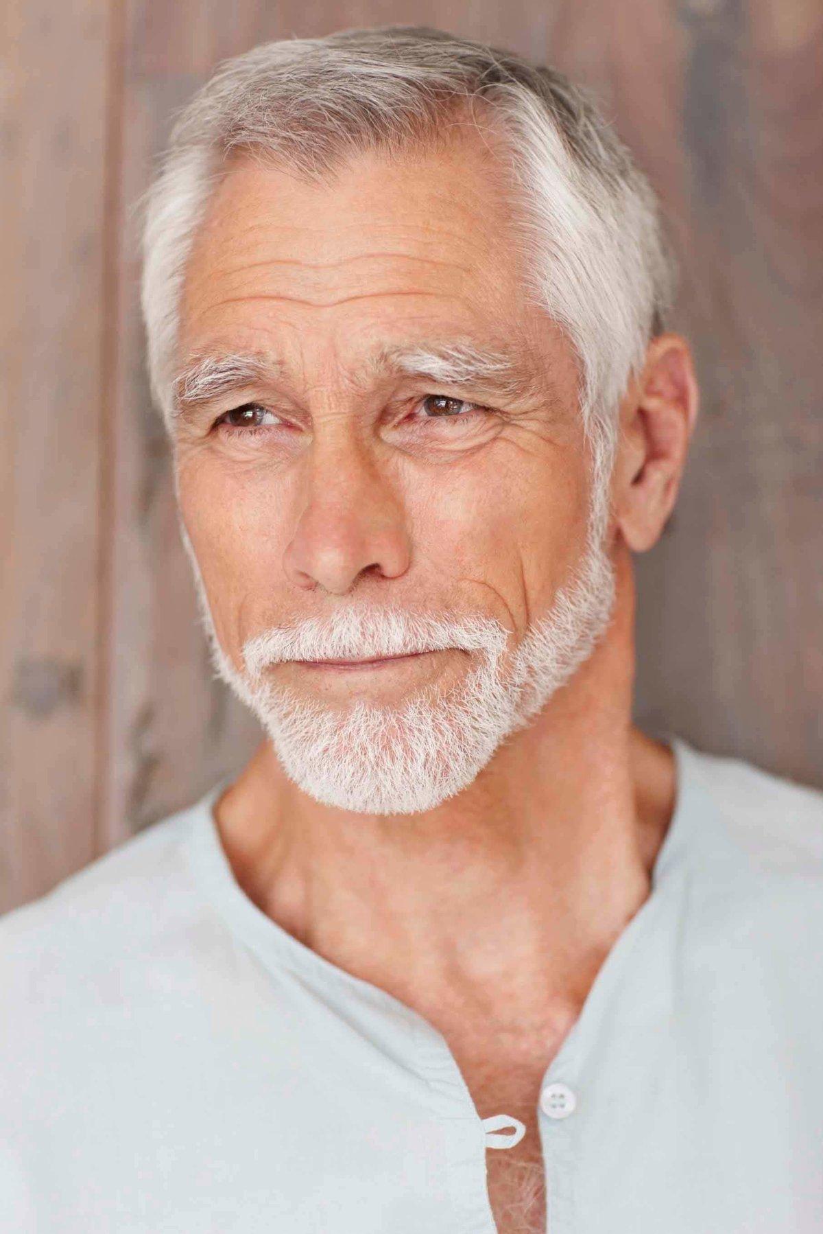 успешно картинки людей пожилой мужчина поможет трансформировать энергетический