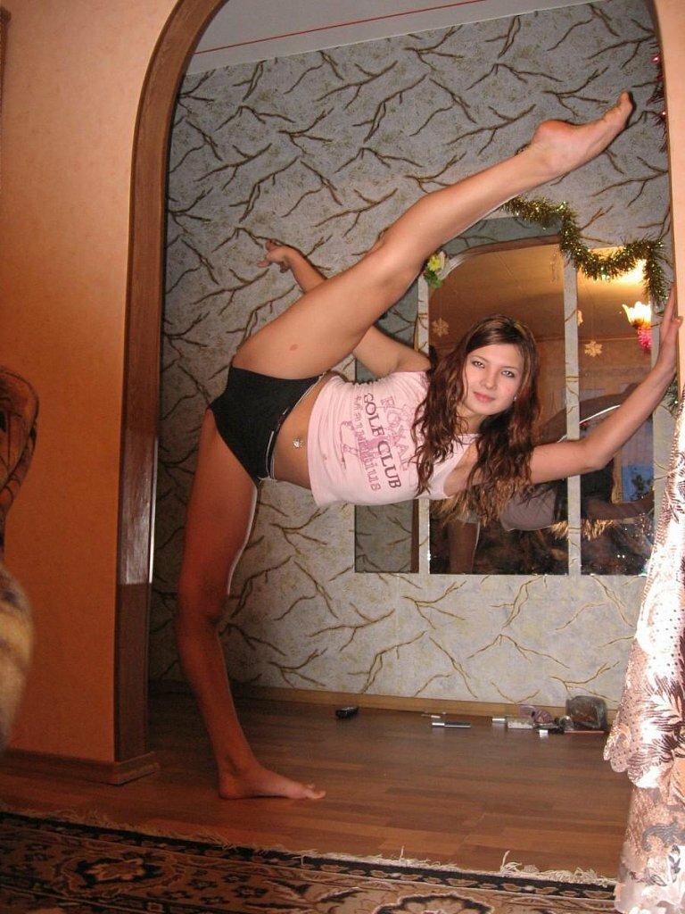 домашнее фото девушек в пикантных ситуациях что заниматься