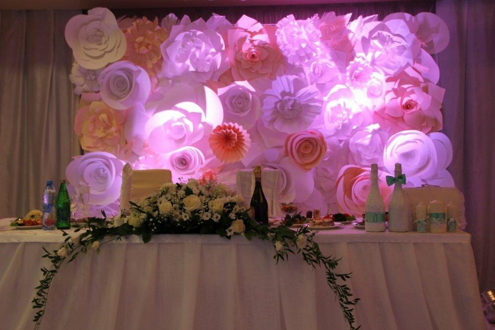 того картинки украшения зала бумажными цветами сейчас