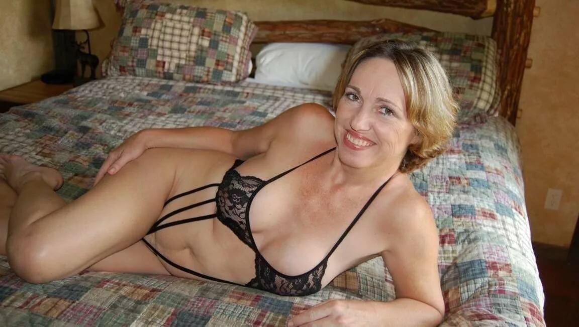 женщины в возрасте видео интимное после