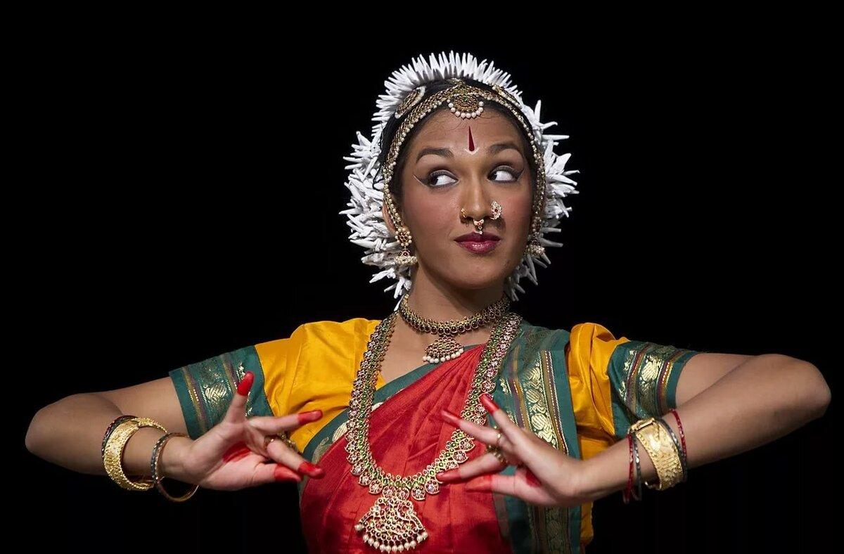 красивое фото индийский танец