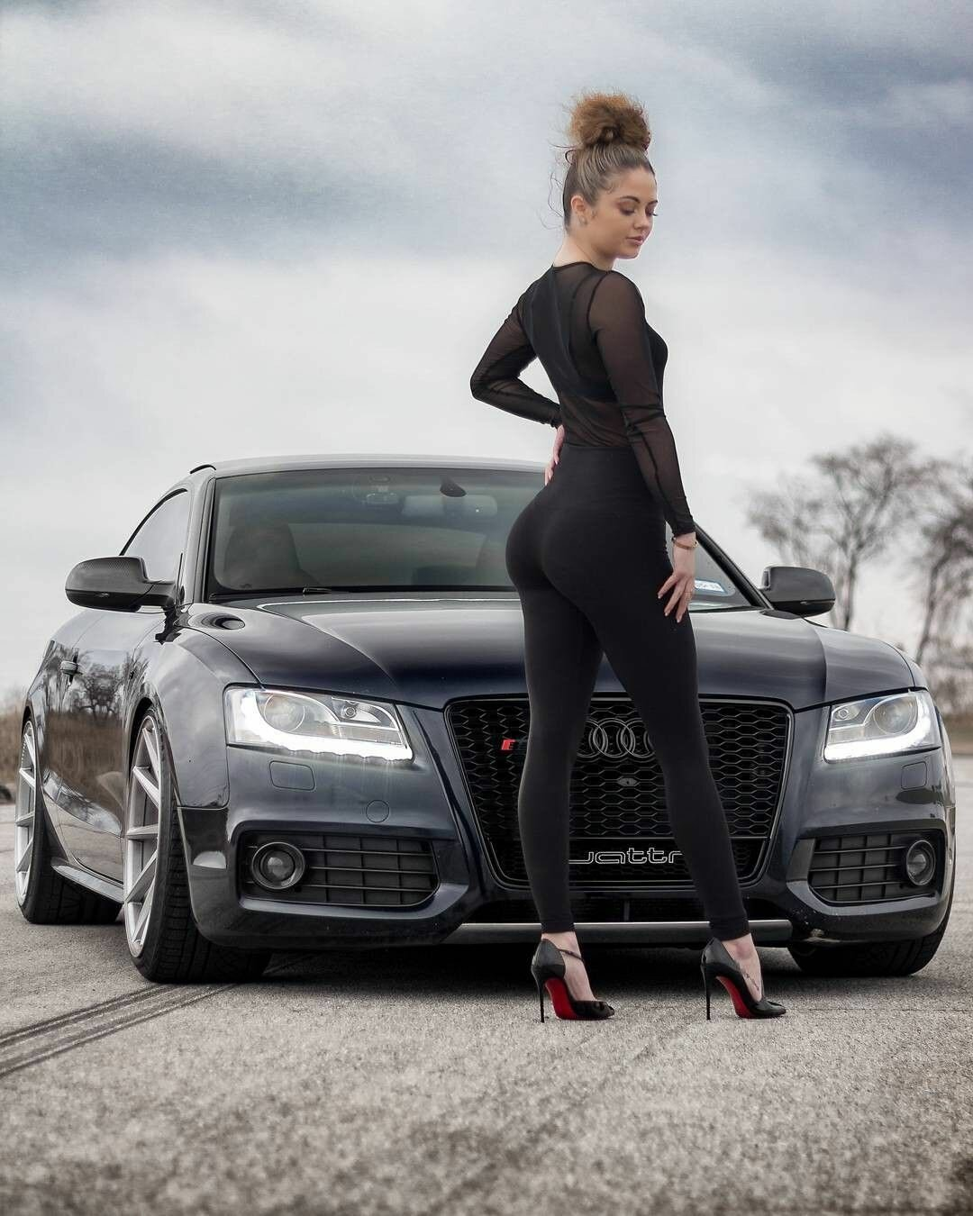 Картинки девушки в коже и машины