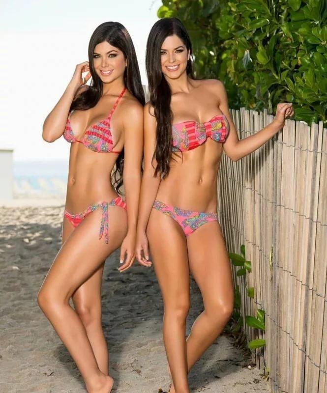 twin-girl-sexy
