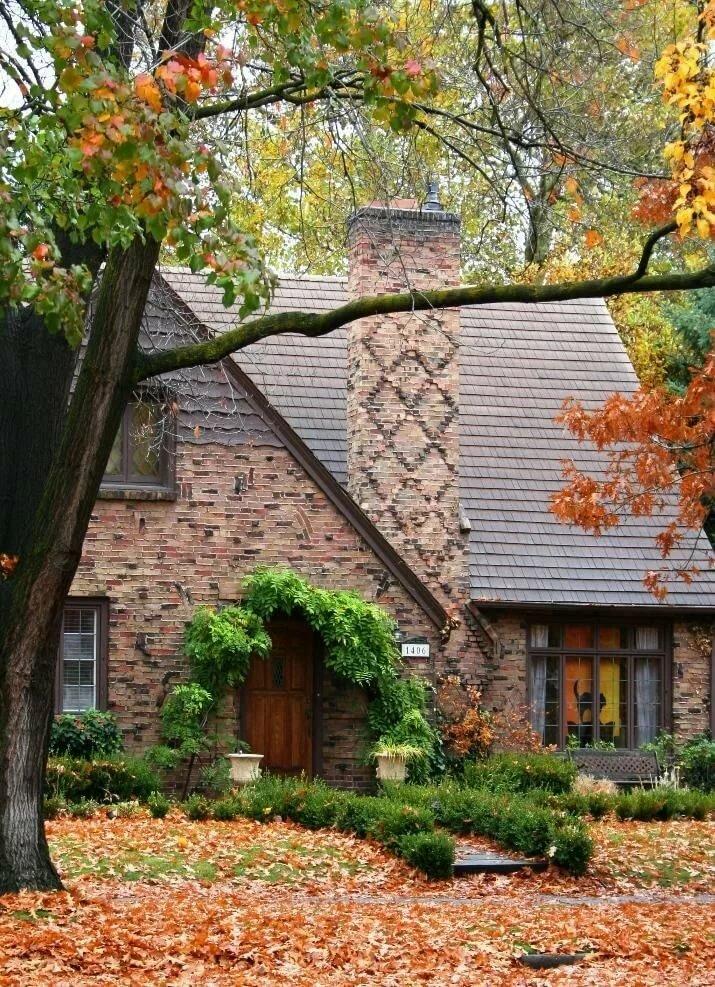 архаической картинки осень на загородном доме это