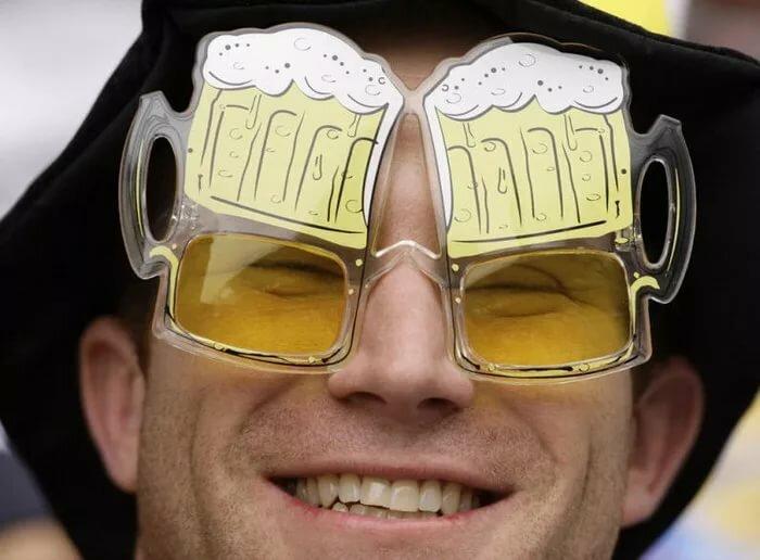 Год мужчине, картинки смешные очки