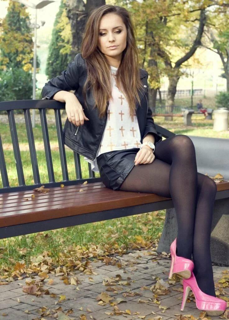 Leg modeling teen