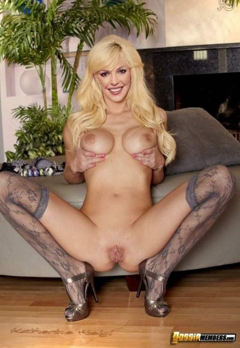 Beth Behrs Nude Fakes