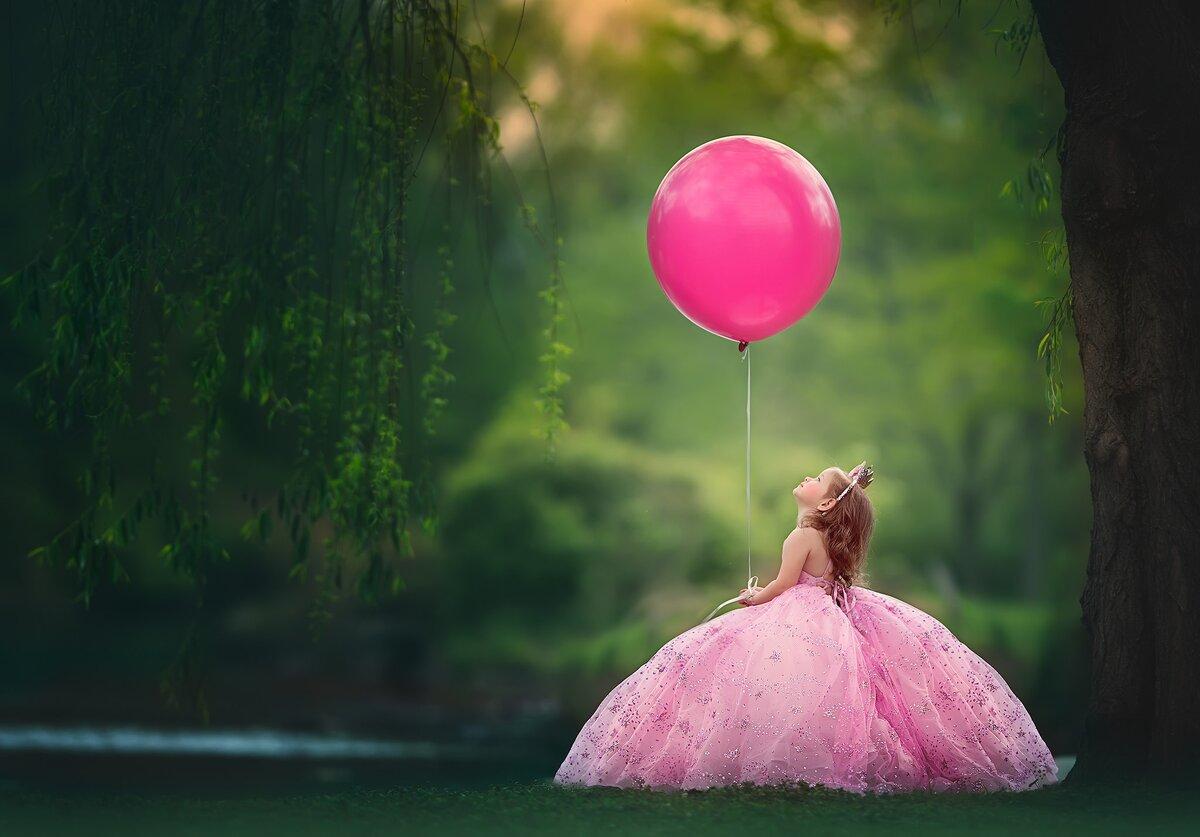 Картинка девочка с воздушным шариком