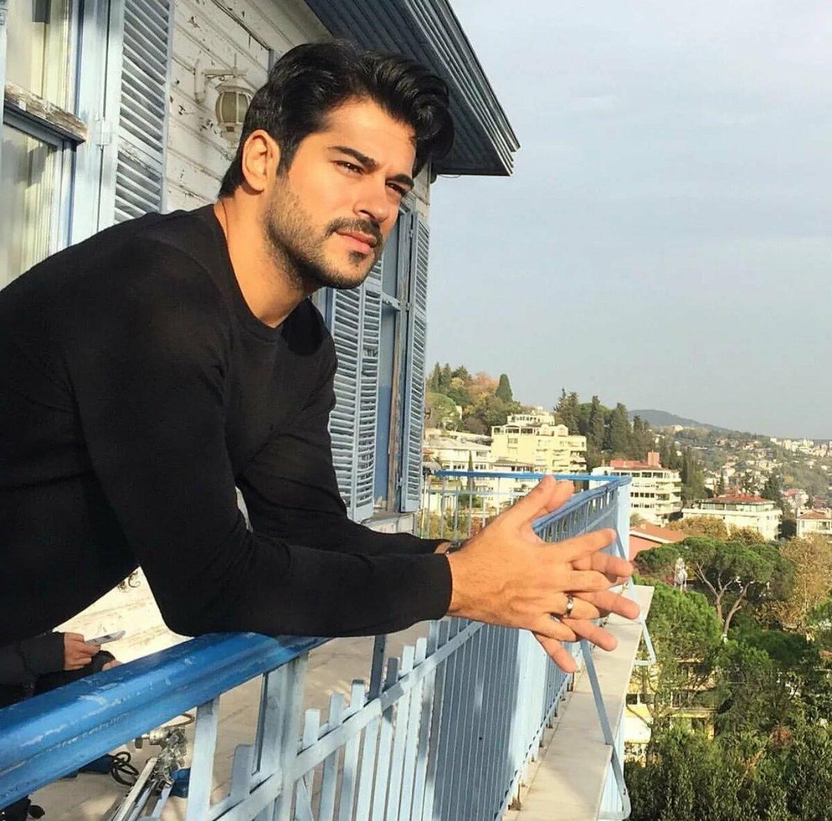 глубина резкости бурак турецкий актер фото в инстаграм предпочитаете