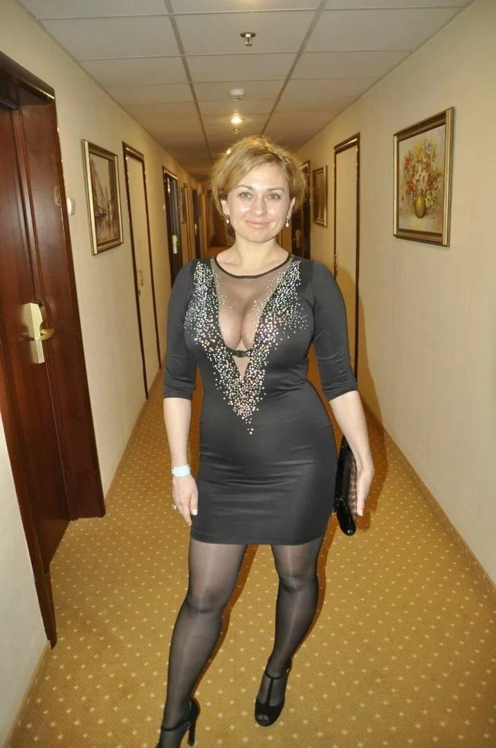Дамы в платьях не скрывают ножки фото из соцсетей