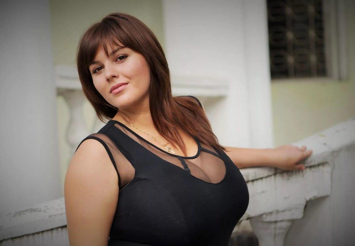 смотреть фото самая большая грудь у женщины женщин мужчин