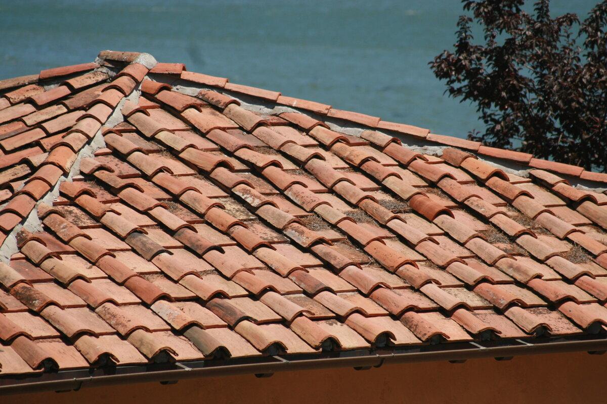 Черепичная крыша фото