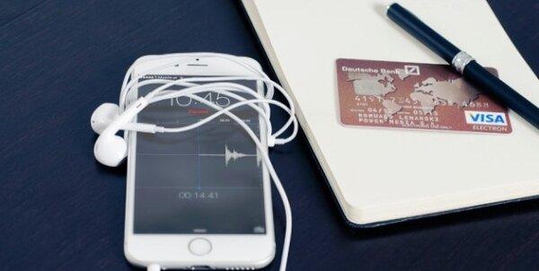 можно ли взять телефон в кредит в 18 лет онлайн трейд в спб