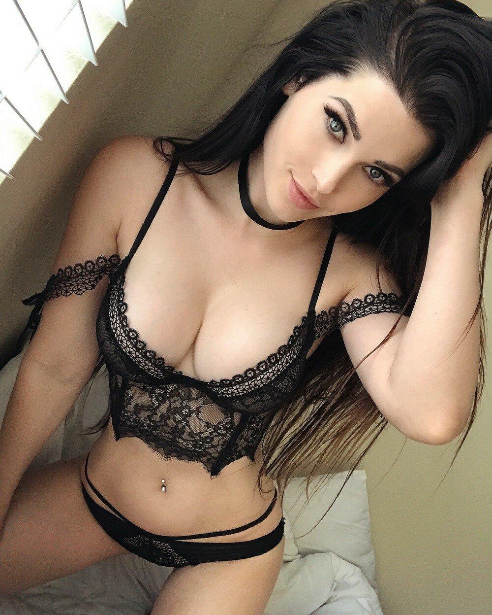 Сексуальная женщина домашние фото