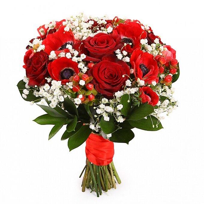 Большие букеты роз с гипсофилой