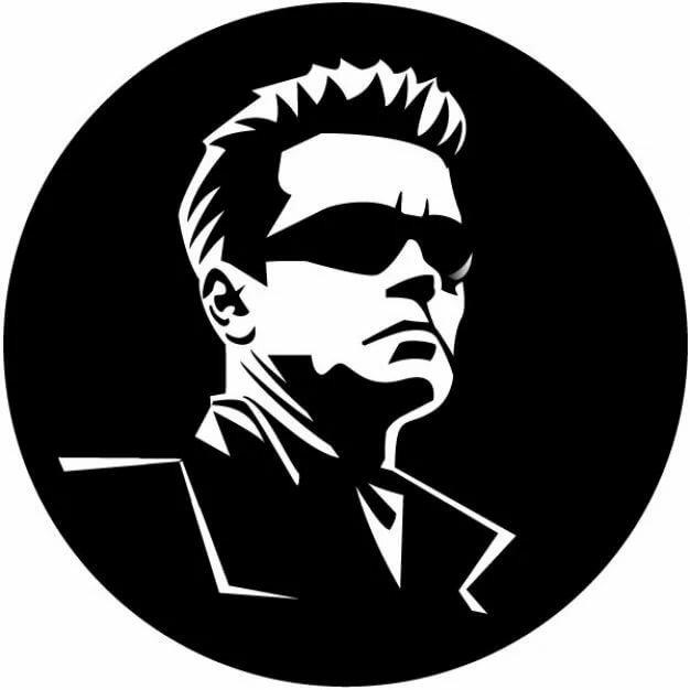 этап логотип черно белой фотографии клыками