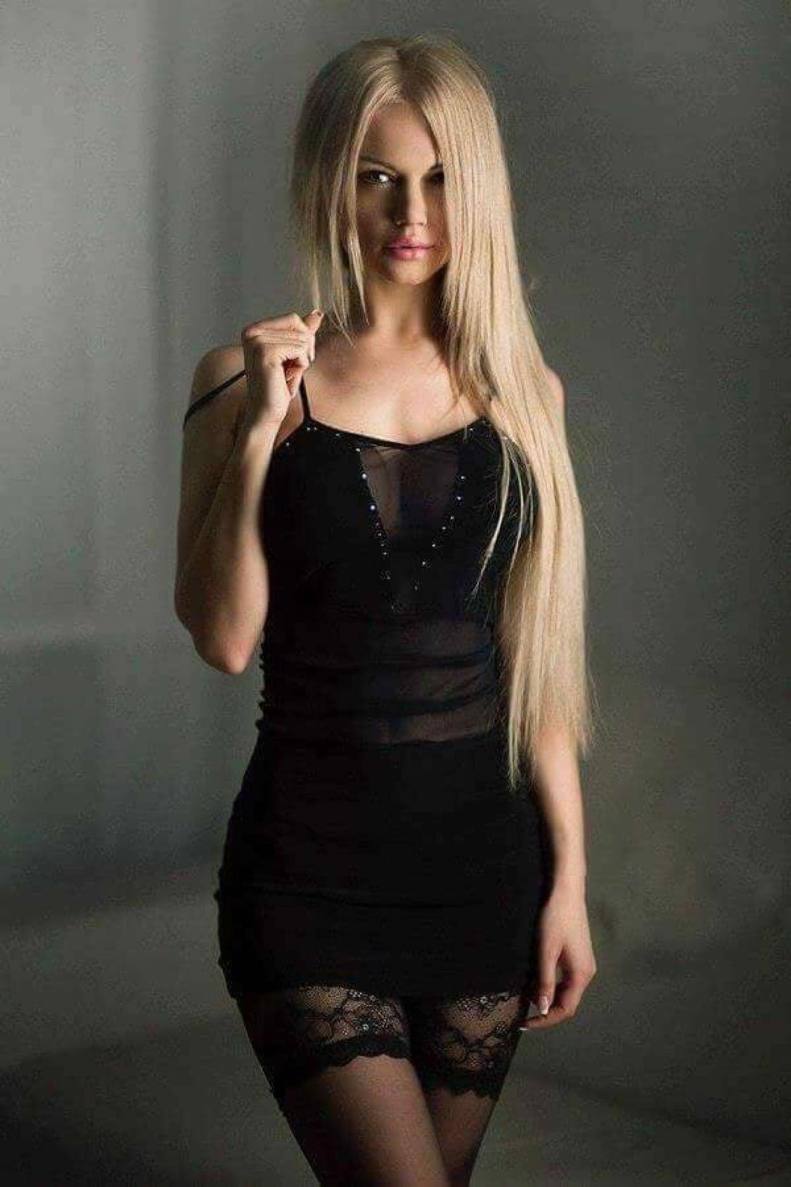 фото девушек в коротких платьях девушка никогда