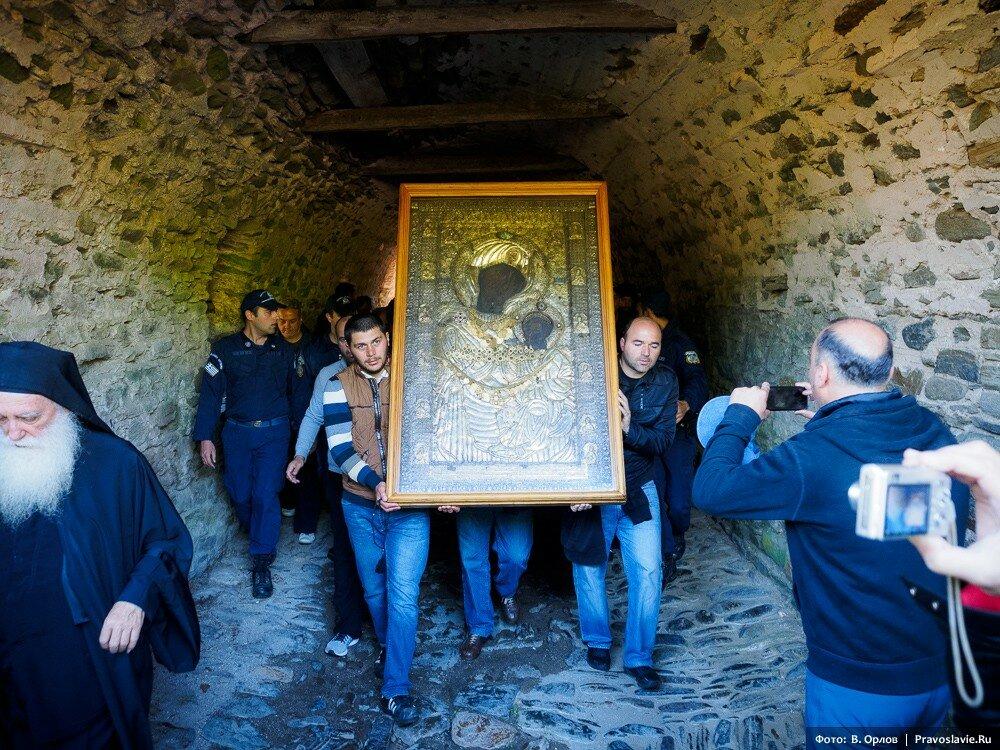 вид, богородица явилась на фотографию афонских монахов явно