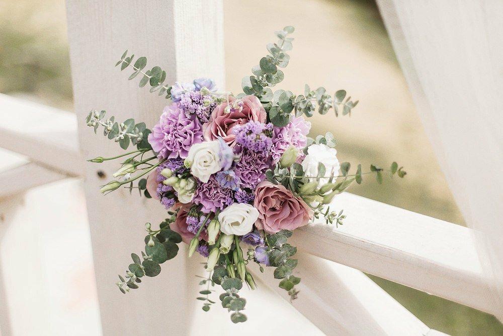 Букет в стиле прованс, живые цветы горшках